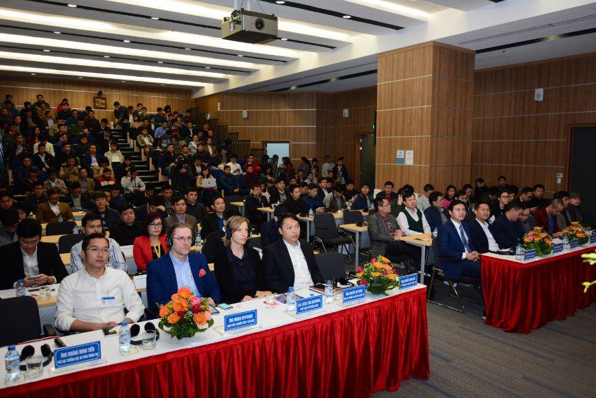 """VinaPhone đồng hành với """"Huyền thoại bảo mật thế giới"""" trong hội thảo về An toàn thông tin"""